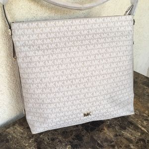 NWT Michael Kors Griffin large tote cream NS